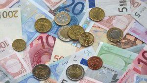 債務者の任意売却後の不動産を融資残額回収するサービサー