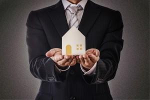 宅建(宅地建物取引士)はマンション経営において役立つか